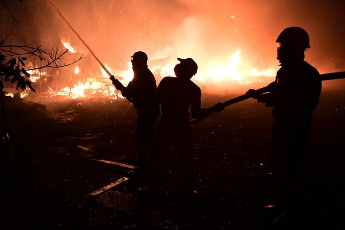 Ribuan Orang Mengungsi Akibat Kebakaran Hutan di Athena