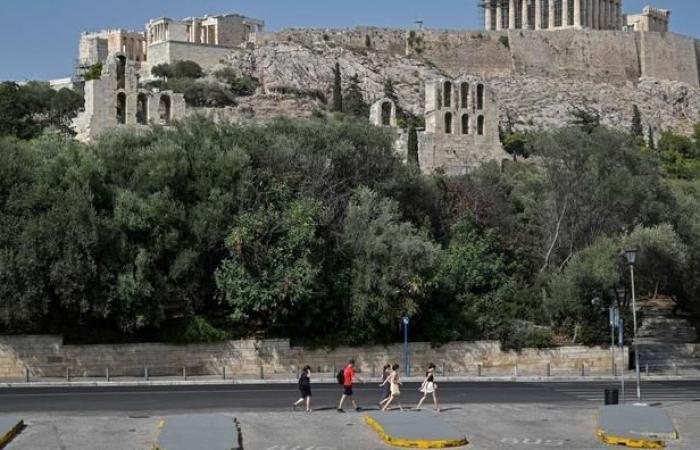 Acropolis ditutup karena gelombang panas di Yunani