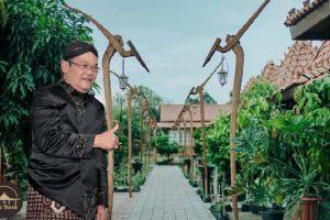 Ajarkan Budaya Jawa Lewat Makanan, Mantan Rektor Ini Dirikan Rumah Makan Edukatif