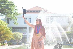 Usia 24 Tahun, Diva Kurnianingtyas Jadi Doktor Termuda di Wisuda ke-124 ITS