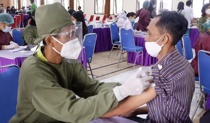 Dukung Program Pemerintah, UNITRI Gelontorkan 2.500 Dosis Vaksin Astra Zeneca