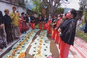 Perempuan Bersanggul Nasional Gelar Wilujengan Suro Pungkasan