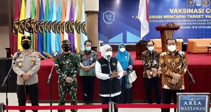 Gubernur Khofifah apresiasi vaksinasi massal di UB