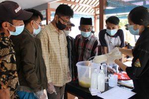 Mahasiswa ITN Berikan Pelatihan Pembuatan POC dan Briket ke Warga Desa Panggungrejo, Gondanglegi